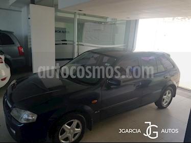 Mazda 323 GLX 5P Aut usado (2011) color Azul precio $200.000