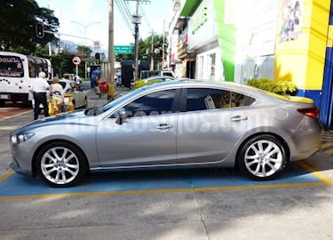 Mazda 6  2.5 V Aut usado (2015) color Gris precio $6.000.000