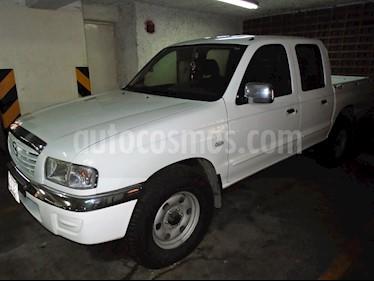 Foto venta carro usado Mazda B-2600 Doble Cabina 4x4 (2007) color Blanco precio u$s5.000
