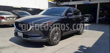 Foto venta Auto usado Mazda CX-5 2.0L i Sport (2018) color Gris Titanio precio $385,900