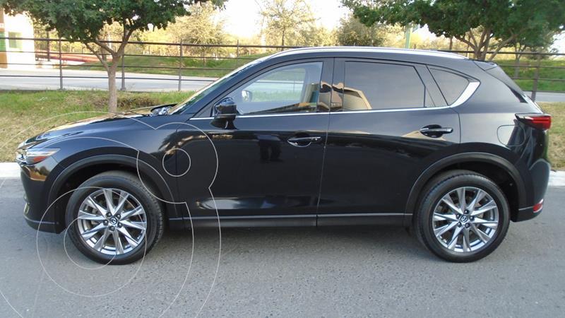 Foto Mazda CX-5 2.5L T Signature usado (2019) color Negro precio $464,900