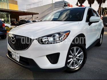 Mazda CX-5 2.0L i Sport usado (2015) color Blanco Perla precio $240,000