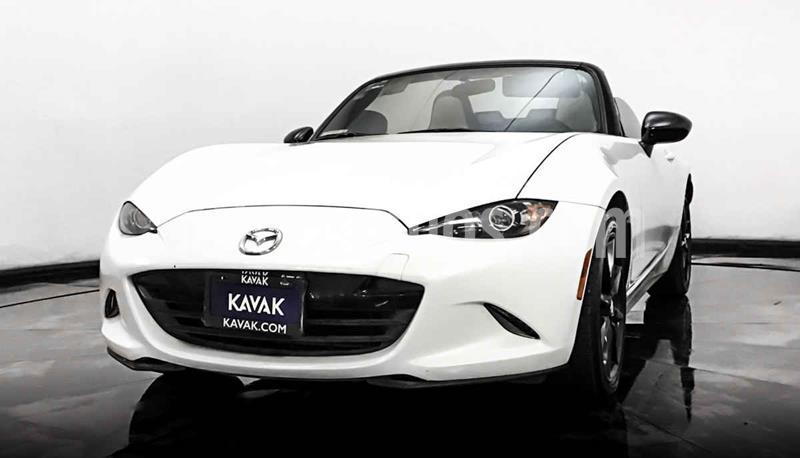 Mazda MX-5 i Sport usado (2017) color Blanco precio $302,999