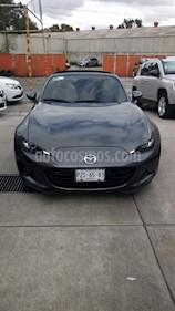 Foto venta Auto Seminuevo Mazda MX-5 RF Aut (2017) color Gris Titanio precio $385,000