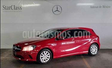 Foto Mercedes Benz Clase A 180 CGI Aut usado (2016) color Rojo precio $269,000