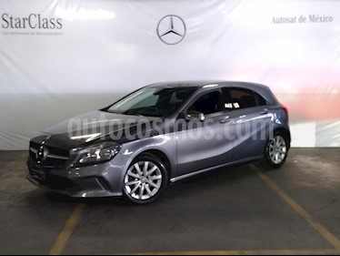 Foto venta Auto usado Mercedes Benz Clase A 180 CGI Aut (2016) color Gris precio $269,000