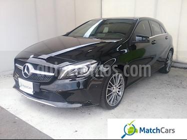 Foto venta Carro usado Mercedes Benz Clase A 200 Aut (2016) color Negro Cosmos precio $74.990.000