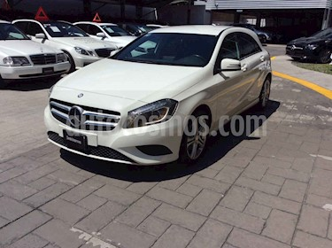 Foto Mercedes Benz Clase A 200 CGI Sport Aut usado (2015) color Blanco precio $290,000