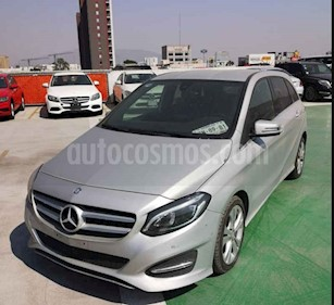 Mercedes Benz Clase B 180 CGI usado (2017) color Plata precio $300,000