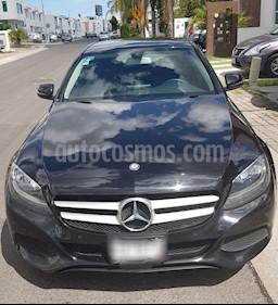 Mercedes Benz Clase C 180 CGI Aut NAVI usado (2017) color Negro precio $340,000
