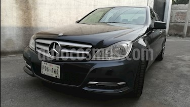 Mercedes Benz Clase C 180 CGI Aut NAVI usado (2013) color Negro Magnetita precio $220,000