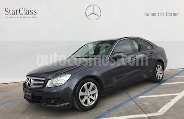 Foto venta Auto usado Mercedes Benz Clase C 180 CGI Aut (2013) color Gris precio $209,900