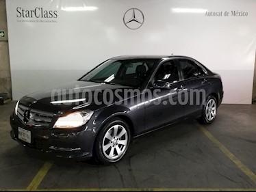 Foto venta Auto Seminuevo Mercedes Benz Clase C 180 CGI Aut (2014) color Gris precio $279,000
