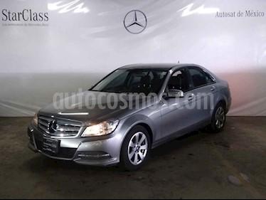 Foto venta Auto usado Mercedes Benz Clase C 180 CGI Aut (2013) color Gris precio $235,000