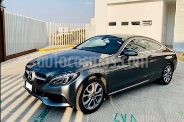 Foto venta Auto usado Mercedes Benz Clase C 180 CGI Coupe Aut (2017) color Gris Tenorita precio $495,000
