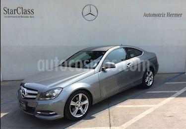 Foto venta Auto usado Mercedes Benz Clase C 180 CGI Coupe Aut  (2014) color Gris precio $269,900