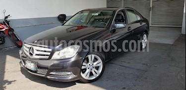 Foto venta Auto Seminuevo Mercedes Benz Clase C 200 CGI Exclusive Aut (2013) color Gris precio $225,000