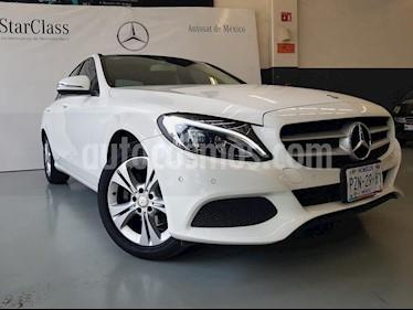 Foto venta Auto Seminuevo Mercedes Benz Clase C 200 CGI Exclusive Plus Aut (2017) color Blanco precio $419,000