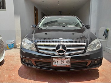 Foto Mercedes Benz Clase C 200 CGI Exclusive usado (2011) color Negro Obsidiana precio $160,000