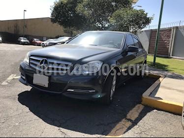 Foto venta Auto Seminuevo Mercedes Benz Clase C 200 CGI Exclusive (2013) color Gris precio $219,000