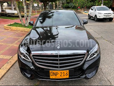 Foto venta Carro Usado Mercedes Benz Clase C 200 Exclusive (2017) color Negro Obsidiana precio $105.000.000