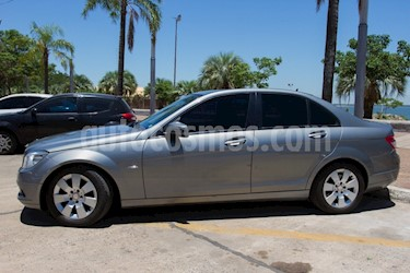 Mercedes Benz Clase C C200 CGI Blue Efficiency 1.8L usado (2011) color Gris Tenorita precio u$s13.000