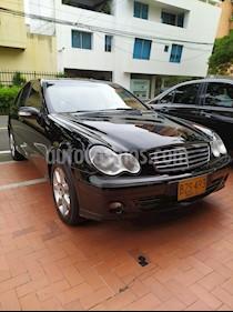 Mercedes Benz Clase C 180 K usado (2007) color Negro precio $40.000.000