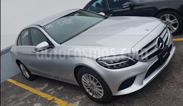 Mercedes Benz Clase C 200 Aut usado (2019) color Plata precio $581,900