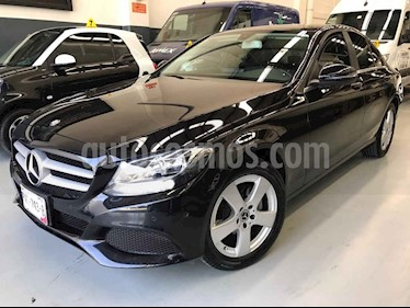 Mercedes Benz Clase C 4p C 180 L4/1.6/T Aut usado (2017) color Negro precio $355,000