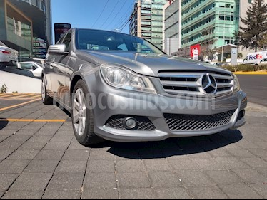 Mercedes Benz Clase C 180 CGI Aut NAVI usado (2013) color Plata Paladio precio $215,000