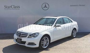 Mercedes Benz Clase C 4p C 200 CGI Sport aut usado (2013) color Blanco precio $259,900