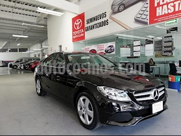 foto Mercedes Clase C 4p C 180 L4/1.6/T Aut usado (2017) color Negro precio $350,000