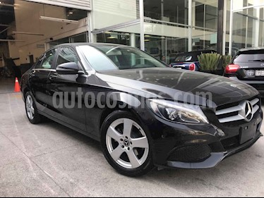 Mercedes Benz Clase C 4p C 180 L4/1.6/T Aut usado (2018) color Negro precio $385,000