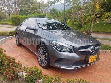 Foto venta Carro usado Mercedes Benz Clase CLA 180 Urban (2017) color Gris Montana precio $95.000.000
