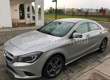 Foto Mercedes Benz Clase CLA 200 CGI Sport usado (2013) color Plata precio $275,000