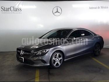 Foto venta Auto usado Mercedes Benz Clase CLA 200 CGI (2017) color Gris precio $399,000