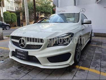 Foto Mercedes Benz Clase CLA 250 CGI Sport usado (2014) color Blanco precio $335,000