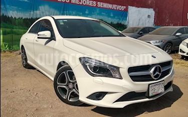 Foto venta Auto Seminuevo Mercedes Benz Clase CLA 4p 200 CGI L4/1.6/T Aut (2016) color Blanco precio $360,000