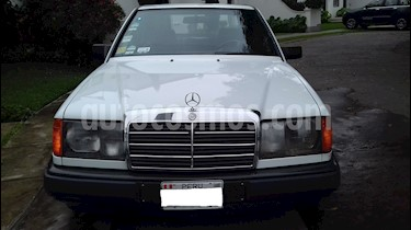 Mercedes Benz Clase E (SEDAN) 240 Elegancev6,2.4i,18v A 2 1 usado (1988) color Blanco precio $3,200