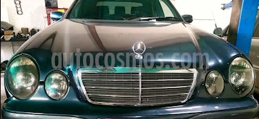 Foto venta carro usado Mercedes Benz Clase E 240 Elegancev6,2.4i,18v A 2 1 (2002) color Verde precio u$s5.500