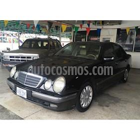 Mercedes Benz Clase E 240 Elegancev6,2.4i,18v A 2 1 usado (2000) color Negro precio u$s8.500