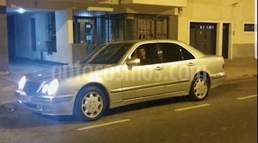 Mercedes Clase E 320 Elegance Aut usado (2000) color Gris precio $650.000