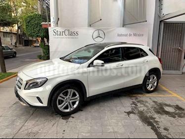 Foto Mercedes Benz Clase GLA 200 CGI Sport Aut usado (2017) color Blanco precio $425,000