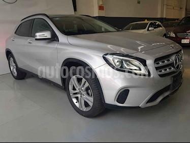 Foto Mercedes Benz Clase GLA 200 CGI Sport Aut usado (2018) color Plata precio $396,900