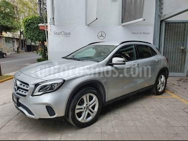 Foto Mercedes Benz Clase GLA 200 CGI Sport Aut usado (2018) color Plata precio $398,000