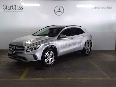 Foto venta Auto usado Mercedes Benz Clase GLA 200 CGI (2018) color Plata precio $409,000
