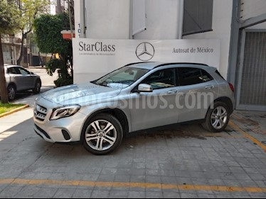 Foto venta Auto usado Mercedes Benz Clase GLA 200 CGI (2018) color Plata precio $420,000