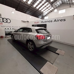 Foto Mercedes Benz Clase GLA 200 Urban Aut usado (2016) color Plata Polar precio u$s39.500