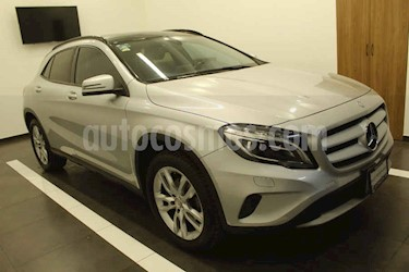 Mercedes Benz Clase GLA 1.6 180 CGI usado (2016) color Plata precio $267,000