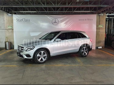 Mercedes Benz Clase GLC 5p 2.0 GLC 300 Off-Road 4MATIC AT usado (2018) color Plata precio $579,000